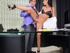 India Summer & Chad White in Seduced by a Cougar