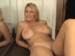 Hot naked wemon with cameltoe