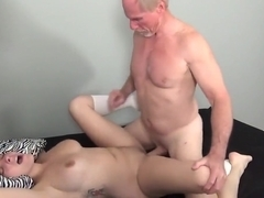 Amateur girl fucks an old gu...