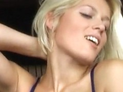20 y.o. amateur Sandra - lapdance and blow job