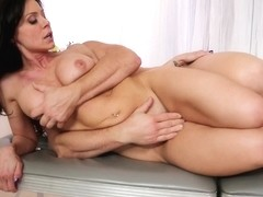 Hot masseur gets nailed hard by her client