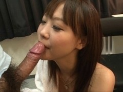 Rin Momoka blow job