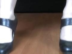 Kinky Ana is in high heels