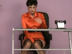 Trinity-Productions: Red Under The Desk