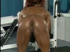 Muscular Mature Show her Body- Yvette Bova