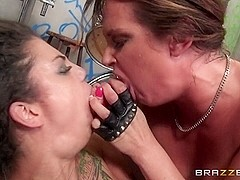 Hot And Mean: Battle of the Bitches. Bonnie Rotten, Tory Lane