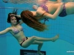 UnderwaterShow Video: Katka and Kristy