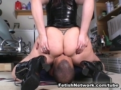 EliteSmothering Video: Sienna unleashed