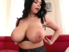 DdfBusty Video: Gets Our Glands Going!