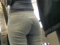 Brunette with the juiciest ass caught in hidden cam