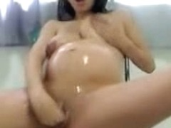Pregnant women also love to masturbate on amateur cam