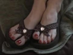 Flip Flops Receive Jizzed