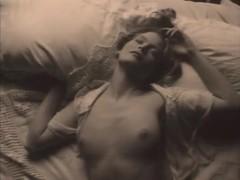 Elizabeth Costello,Mary Kate Ryan in Spectre (1996)