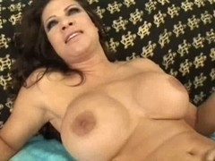 Teri Weigel- Ideal Bushy Lady