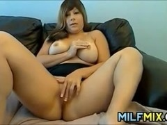 Thick Amateur MILF Fingering Herself