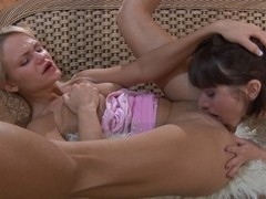 LickSonic Scene: Dolly and Mireille