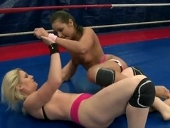 Hot and passionate fight between Ionella Dantes and Lioness on the ring