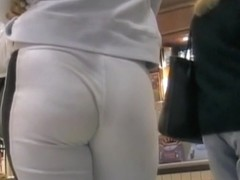 Sweet street candid video of a magnificent ass