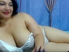 curvy cam hot undress