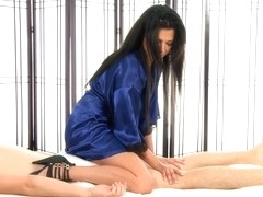 Massage-Parlor: Loaded Gun