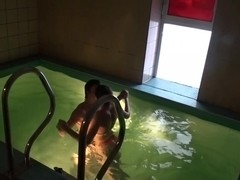 Sex with super sexy girlfriend in the pool
