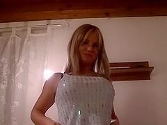 Schuch Terne German blond with an absolute Traumkorper rotate...