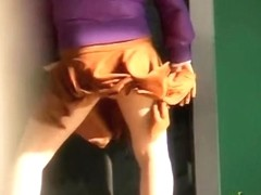 Dancing Japanese babe got skirt sharked on the street