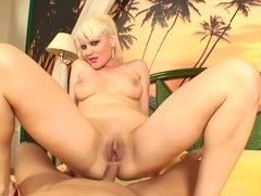 Glamorous Mature Babe Fucked Deep In Her Ass
