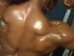 Muscular Mature Show her Body- Yvette Bova