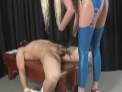 Dominatrix-Bitch sounds a shlong until it cums hard