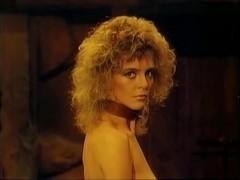 Fabiana Smith,Mindi Miller,Penelope Reed,Danitza Kingsley in Amazons (1986)