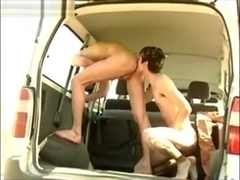 Twinks outdoor bareback analsex in car and eatcum