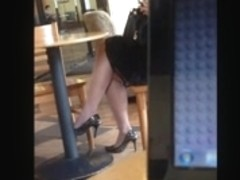 Candid Sexy Crossed Legs 10 (+slow motion)