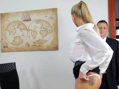 Kayla Green teaches a poor employee a lesson
