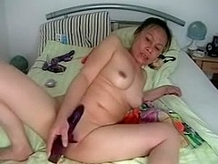 Dildoing my Asian cunt on webcam