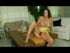 Solo masturbation show with a mature brunette whore