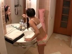 college girl-sallle de bain HD