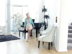 Eliza Jane in Looking For A Raise - MyBabysittersClub