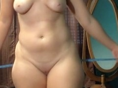 Shaking my buttocks and big boobs