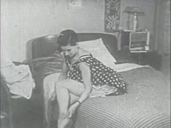 Retro Porn Archive Video: Femmes seules 1950's 10