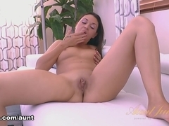 Olivia Wilder in Masturbation Movie - AuntJudys