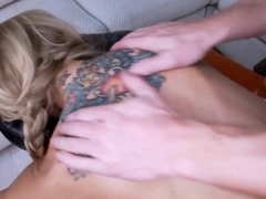 Masseur hunk makes Sarah Jessie wet with needs during massage
