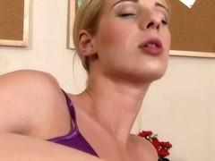 WetAndPuffy Video: Mia Hilton