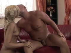 21Sextreme Video: 5 o'clock pee party