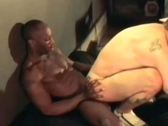 Tune Uphot gay sex scene 1