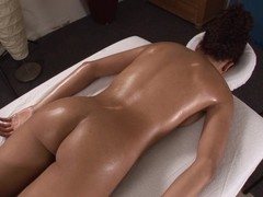 Little Mutt Video: Mimi Allen Massage