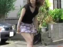 Walking like a model with no panties on sharking video