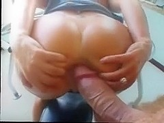 Widening her arse for anal fuck