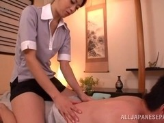 Superb Asian masseuse knows how ot give a happy ending