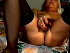 I toy my cunt in homemade masterbation porn vid
